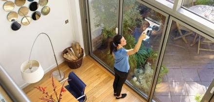 Consigli utili per avere finestre pulite e splendenti